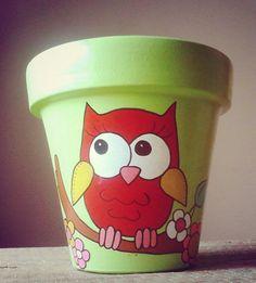 Owl flower pot. Flower Pot Art, Flower Pot Design, Flower Pot Crafts, Clay Pot Crafts, Owl Crafts, Flower Pot People, Clay Pot People, Painted Plant Pots, Painted Flower Pots