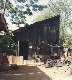 1993, visiting Gold country, i took this pic of an old tool shed/building.  liked the look of it.  old things/buildings intrigue me (the history behind them).   CA