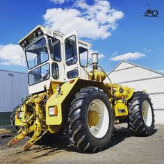 John Deere 4320, Farm Photography, Rubber Tires, Heavy Equipment, 180, Vehicles, Pictures, Farming, Offroad