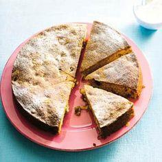 Deze cake/koek is echt het proberen waard! Heel makkelijk en snel te maken en echt heel erg lekker. In eerste instantie spreken de ingrediënten mij niet zo aan (stroop, rozijnen) maar inmiddels is dit een van mijn favoriete recepten!