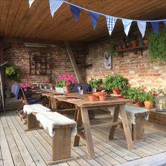 Pergola, Flora, Outdoor Structures, Table Decorations, Furniture, Instagram, Home Decor, Decoration Home, Room Decor