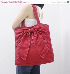 VALENTINE DAY SALE Qt in Red - Bow / Tote / Shoulder Bag / Purse / Handbag / Laptop / School Bag / Diapers Bag / Women / For Her on Etsy, $37.80