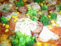 recipe for an original Italian Neapolitan pizza with broccoli, sausage … Taco Pizza, Pizza You, How To Make Pizza, Pizza Pictures, Pizza Restaurant, Kielbasa, Breakfast Pizza, Dough Recipe, Tomato Sauce