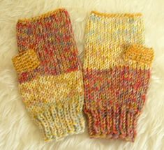 Wrist Warmers, Hand Warmers, How To Purl Knit, Fingerless Gloves, Mittens, Knitting, Winter, Fashion, Crochet Gloves