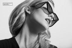 Escarlate - Notícia - Dia-a-Dia Revista Poses, Editorial, Glasses, Photography, Fashion, Elegance Fashion, Scarlet, Fashion Editorials, Costume Design