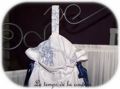 """SAC POCHON ou LINGERIE – Tons de blanc et bleu - motif """"angelot"""" – FAIT MAIN"""