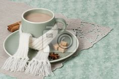 autumn-concept-cup-of-hot-coffee-cocoa-or-tea-with-milk-and-sp-400-32590067.jpg (400×267)
