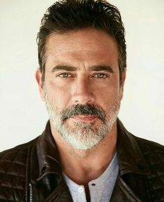 Yeah yeah I know he's a bad ass as Negan, but look at those amazing eyes of Jeffrey Dean Morgan. Hilarie Burton, Jeffrey Dean Morgan, John Winchester, The Walking Dead, Team Negan, Seattle, Raining Men, Daryl Dixon, Grey's Anatomy