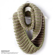 Ravelry: Brioche Accent Knit Cowl pattern by Bernat Design Studio Snood Knitting Pattern, Knitting Patterns Free, Knit Patterns, Free Knitting, Knitting Scarves, Free Pattern, Cowl Scarf, Knit Cowl, Knit Crochet