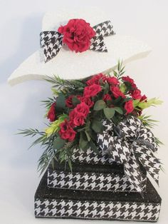 Hat & Silk flowers Centerpiece, Great for Kentucky Derby Hat Centerpiece – Designs by Ginny Black Centerpieces, Silk Flower Centerpieces, Party Centerpieces, Homemade Centerpieces, Christmas Centerpieces, Table Decorations, Cool Wedding Cakes, Wedding Cake Toppers, Hat Decoration