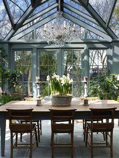 Amazing conservatory greenhouse ideas for indoor-outdoor bliss - Gewächshaus Indoor Outdoor, Outdoor Greenhouse, Home Greenhouse, Outdoor Rooms, Outdoor Living, Greenhouse Ideas, Greenhouse Wedding, Outdoor Ideas, Cheap Greenhouse