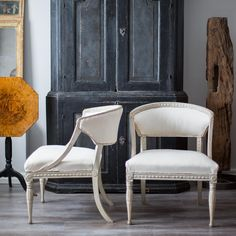 Pair of Gustavian Barrel Back Chairs - picture 2