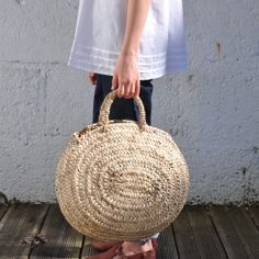 "I love this ""Petit panier ""presque rond"""" by Milk and Paper Jewelry Accessories, Fashion Accessories, Women Accessories, My Bags, Purses And Bags, Sisal, Estilo Street, Miss Moss, Basket Bag"