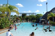 The zero-depth entry at the Valcano Pool at Disney's Polynesian Resort provides safe and shallow places for young children to enjoy. http://www.buildabettermousetrip.com/disneys-polynesian-resort #PolynesianResort #Disneyworld