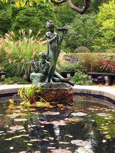 Burnett Fountain In The Conservatory Garden