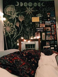 Designer Bedding Sets On Sale Dream Rooms, Dream Bedroom, Ideas Hogar, College Room, Room Goals, Dream Apartment, Aesthetic Bedroom, Fashion Room, My New Room