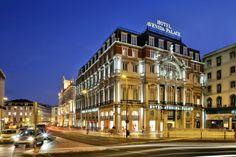 Avenida Palace Hotel, aan de westkant van de Praça dos Restauradores, stadsdeel Baixa, Lisboa. Werd ontworpen door José Louís Monteiro die ook het Rossio-station bouwde