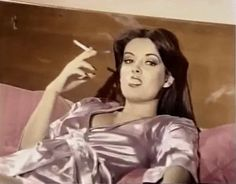 Aesthetic Gif, Aesthetic Videos, Aesthetic Pictures, Blackbear Quotes, Beste Gif, Women Smoking Cigarettes, Dramatic Classic, Girl Smoking, I Love Girls