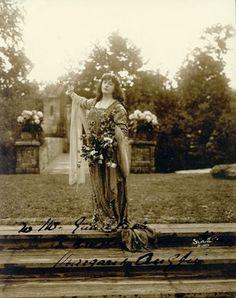 Shakespearean actress Margaret Anglin, Forest Park, June 1916 | Missouri History Museum