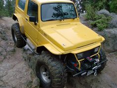 Yellow suzuki samurai tin top flat fender
