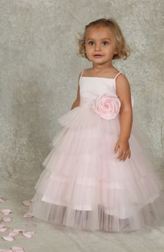 Sweetie Pie Collection is a designer of Flower Girl Dresses. Browse our beautiful selection of Flower Girl Dresses to find a local retailer. Lace Party Dresses, Bridesmaid Dresses, Wedding Dresses, Toddler Flower Girl Dresses, Girls Dresses, Flower Girls, Baby Flower, Girls Frocks, Organza Flowers