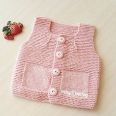 Very Easy and Very Stylish Illustrated Expression Knitted Baby Vest – İbrahim Cingi – Join in the world of pin Knitting For Kids, Baby Knitting Patterns, Crochet For Kids, Baby Patterns, Free Knitting, Cardigan Bebe, Baby Cardigan, Pull Bebe, Knit Vest Pattern