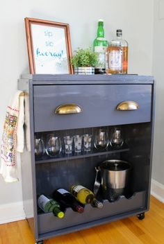 These DIY Ikea bar cart makeover tutorials will blow you away. Updating an inexpensive Ikea piece with a bit of paint and imagination is a budget-friendly way to create a custom piece. Ikea Bar Cart, Diy Bar Cart, Bar Cart Decor, Bar Carts, Hack Commode Ikea, Ikea Rast Dresser, Ikea Hack Rast, Bar Furniture, Furniture Makeover