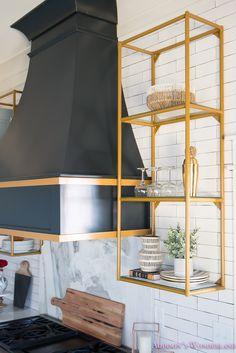 Open Kitchen Shelves Tips on styling open kitchen shelves! on styling open kitchen shelves! Kitchen Vent, Kitchen Shelves, Kitchen White, Open Kitchen, Bar Shelves, Brass Kitchen, Kitchen Hoods, Kitchen Island, Armoires Shaker
