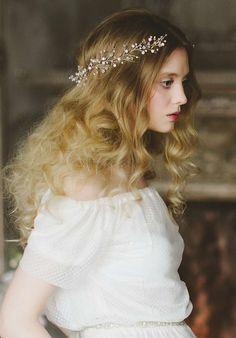 Girls Dresses, Flower Girl Dresses, Bride Accessories, Crown, Wedding Dresses, Fashion, Dresses Of Girls, Bride Dresses, Moda