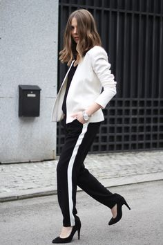 Vanja Milicevic Fashion and style Mango shoes Koton pants Stradivarius t-shirt Ines Atelier blazer  and earrings Michael Kors watch #streetstyle