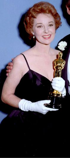 "1958 SUSAN HAYWARD winning the Oscar for her work in ""I Want to Live"""