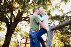 Athens engagement photography. Adorable fall engagement session on the blog! #athens #clairedianaphotography