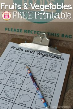 This free fruits and vegetables printable can be used for a grocery store scavenger hunt, in your writing or dramatic play centers, or can be used for a matching game. A great addition to a healthy foods unit or grocery tot school theme. Preschool Food, Free Preschool, Preschool Themes, Preschool Lessons, Preschool Centers, Numbers Preschool, Free Fruit, Fruit And Veg, Fruits And Vegetables