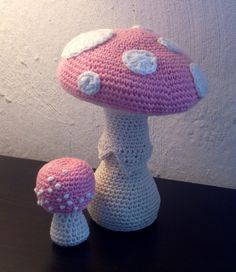Free crochet pattern for the baby amanita mushroom. At http://suviscrochet.blogspot.com