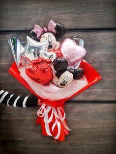 Balloon Arrangements, Balloon Decorations, Birthday Decorations, Valentine Day Gifts, Valentines, Balloons And More, Hand Bouquet, Balloon Bouquet, Flower Boxes