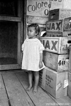 Old Vintage Photo of Little African American black girl - Negro - Small Child… African American Girl, American Women, Native American, American Photo, Vintage Black Glamour, Black History Facts, Strange History, Baby Kind, Pretty Baby