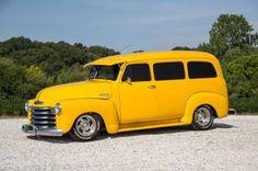 1952 Chevrolet Suburban.