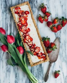 strawberry coconut tart (gluten-free + vegan)