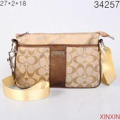 COACH X Peanuts SNOOPY White City Tote Bag & Wristlet Ltd Edition 2pc Set NWT #Coach #Snoopy #handbags