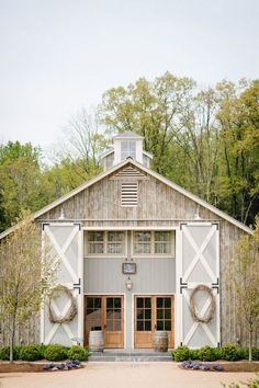 My dream home, farmhouse style, modern farmhouse, farm wedding, barn we Dream Barn, My Dream Home, Modern Farmhouse, Farmhouse Style, Houses Architecture, Casa Loft, Casas Containers, Barn Living, Exterior Design