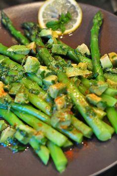 Spiced Asparagus with Avocado, Lemon & Mint Dressing