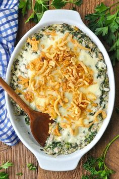 Need an old-fashioned dinner ready in 30 minutes? Try Spinach And Ground Beef Casserole! Beef Casserole Recipes, Ground Beef Casserole, Hamburger Casserole, Cooker Recipes, Creamed Spinach Casserole, Ground Beef And Spinach, Cozy Meals, Ground Beef Recipes Easy, Spinach Recipes