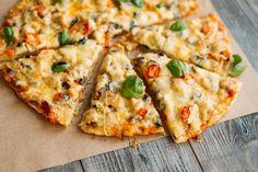 5рецептов обалденной пиццы, окоторых вынеслышали раньше Vegetarian Recipes, Cooking Recipes, No Sugar Diet, Food Themes, Diet Menu, Slow Cooker Chicken, Vegetable Pizza, Mozzarella, Good Food
