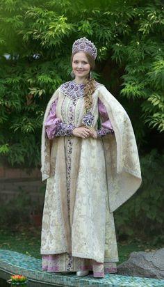 Russian Costume, Kokoshnik Headdress
