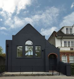 An old London chapel is reborn into a modern home and artist studio - Old London, South London, Art Deco Font, Open Architecture, Cool Landscapes, Building A House, House Styles, Modern, Contemporary