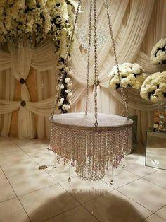 Fantasy Wedding, Dream Wedding, Suspended Wedding Cake, Chandelier Cake Stand, Wedding Planer, Crystal Centerpieces, Cinderella Birthday, Catering Display, Cake Trends