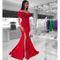 Kırmızı Yakası Volanlı Abiye Elbise