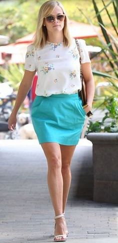 Band of Outsiders FLORAL HABOTAI SILK Top - Worn by Reese Witherspoon - On Sale for $265 Size Small http://www.ebay.com/itm/291078232939?ssPageName=STRK:MESELX:IT&_trksid=p3984.m1555.l2649