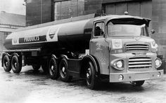 scammell - Google Search Cool Trucks, Big Trucks, Bp Oil, Fuel Truck, Old Lorries, Oil Tanker, Old Commercials, Commercial Vehicle, Vintage Trucks