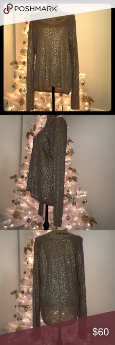 ☃️⛄️☃️Chan Luu Sequin Sweater ☃️⛄️☃️ Chan Luu Sequin Sweater Size M Handmade in India Tunic length! Long enough to wear with leggings! Tag is unattached on one side (pictured). 🎁☃️🎄Tan with Gold Sequins- perfect for the holidays! 🎁⛄️🎄 Chan Luu Sweaters Crew & Scoop Necks